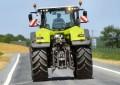 Course-poursuite sur un tracteur avec les gendarmes
